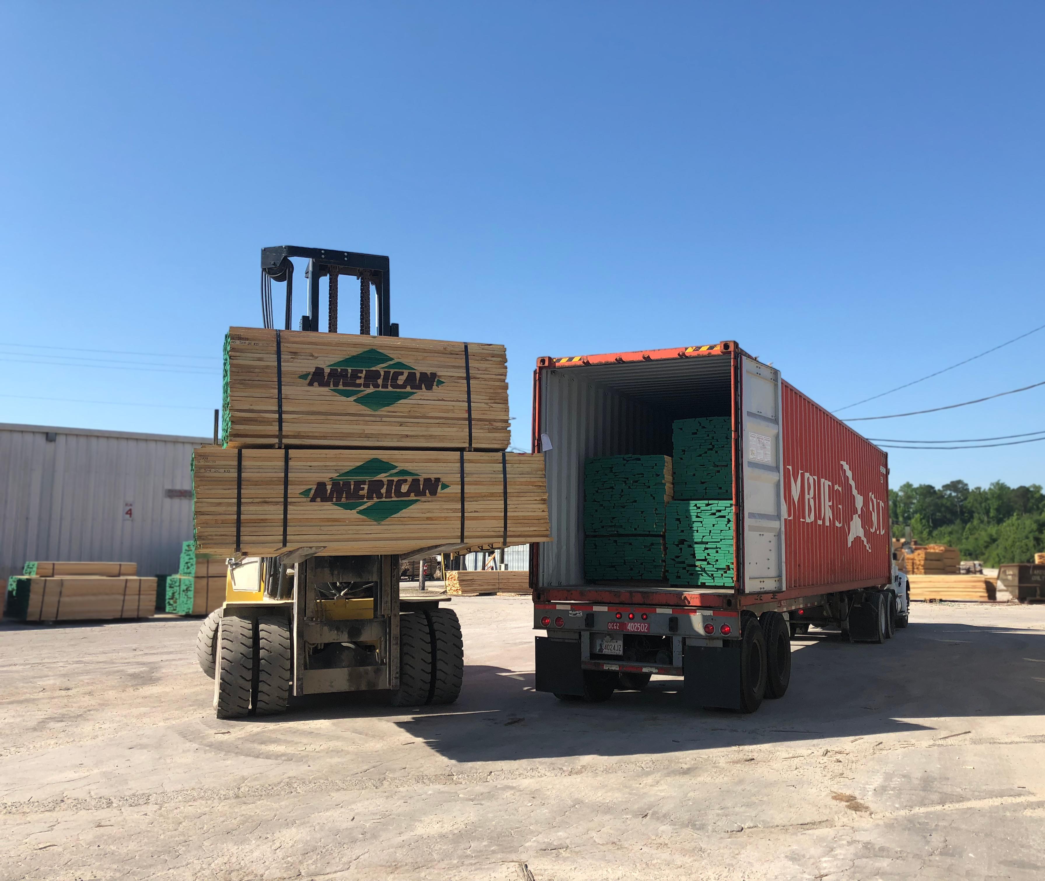 American-Lumber-Forklift-Loading-Ash-Bundles--IMG_4639